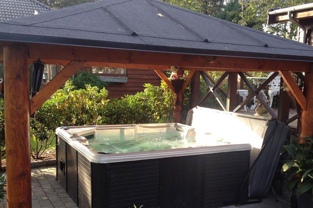 Privatgarten mit Whirlpool