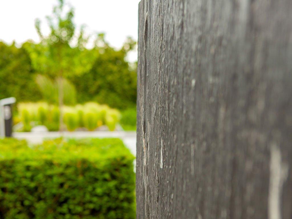 Gewerblicher Vorgarten der Firma Lewe in Recke