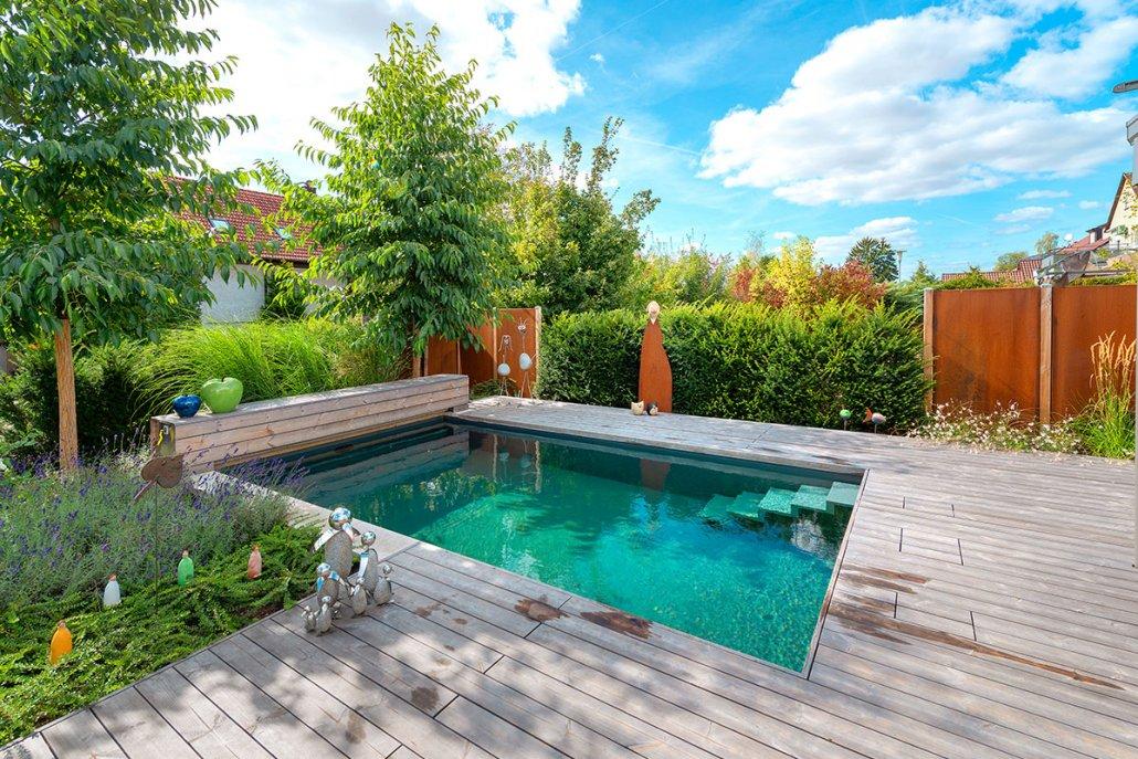 Kleiner Pool oder Mini Pool im Privatgarten
