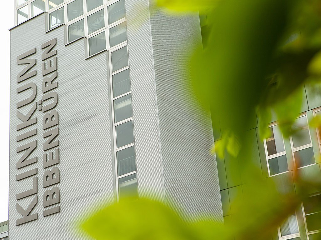 Klinikum Ibbenbüren Pflasterung, Zufahrt, Pflanzen und Beete